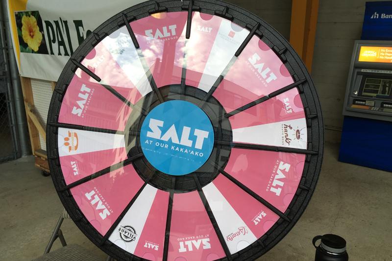 SALT(ソルト)のパアカイ・マーケットプレイスとワイキキ・ブリューイング・カンパニー@カカアコ