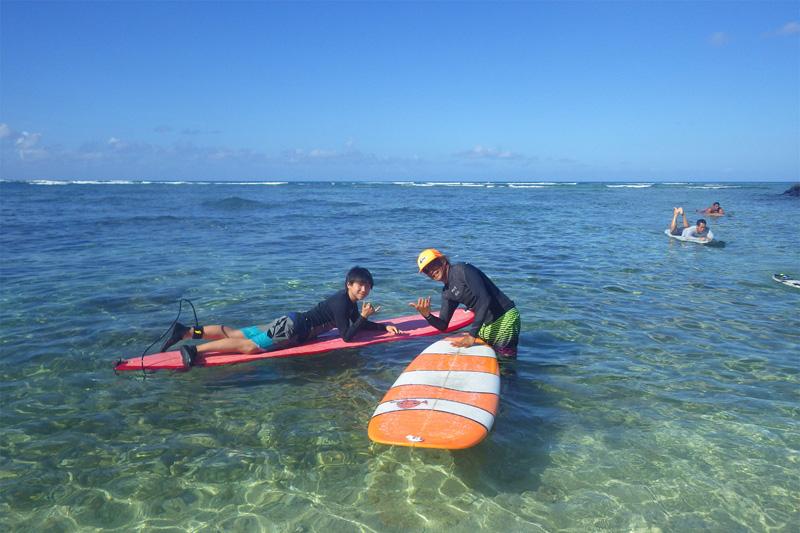 ハワイを感じよう!ロコが教える夏のユース・サーフ・キャンプ